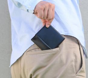 薄い財布 abrAsus メンズ 〜ポケットの中で快適な薄型二つ折り~アブラサス SUPER CLASSIC 人気