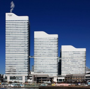 640px-Queens_Square_Yokohama_2012